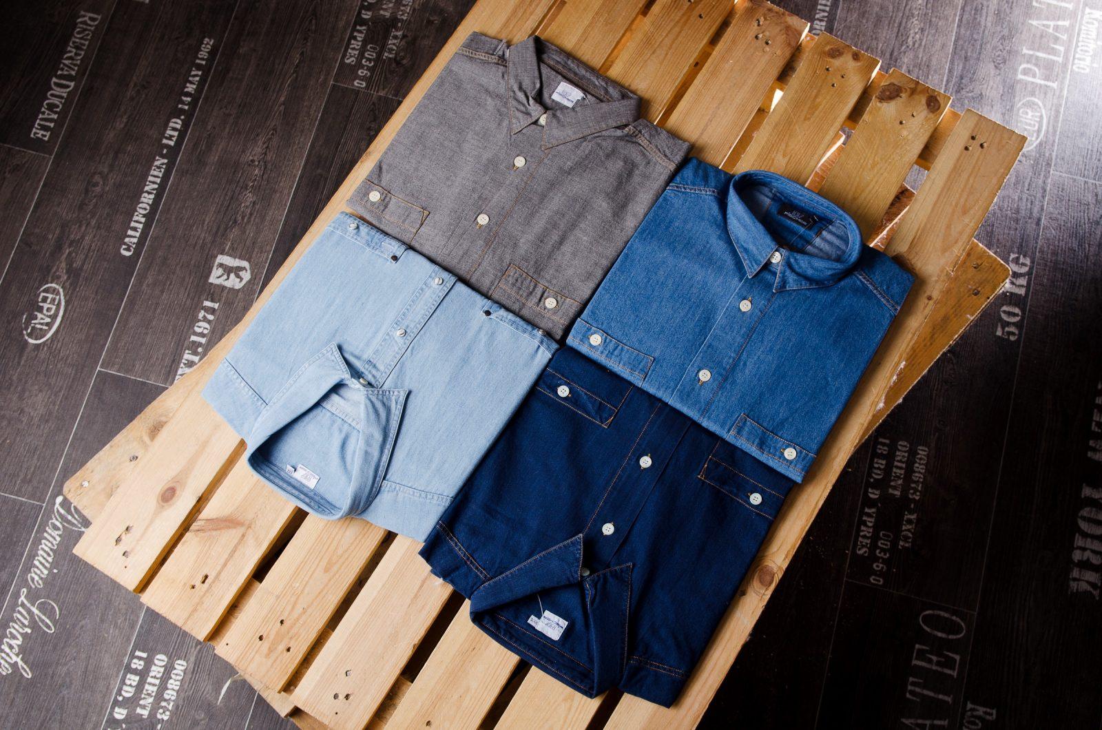 Auswahl an Hemden in Übergrößen